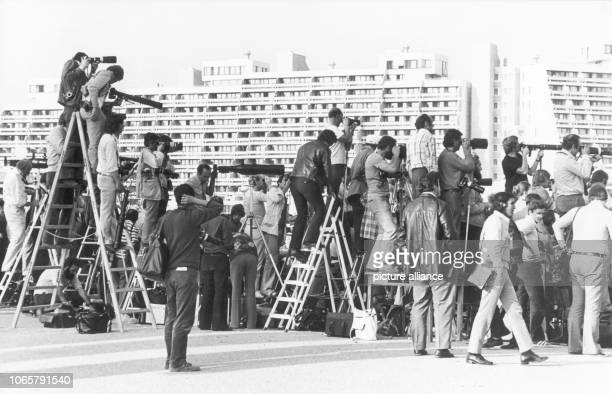 After screens obstructed the view for photographers and camera men some resourceful men got ledders to continue their works on 5th September 1972 Two...