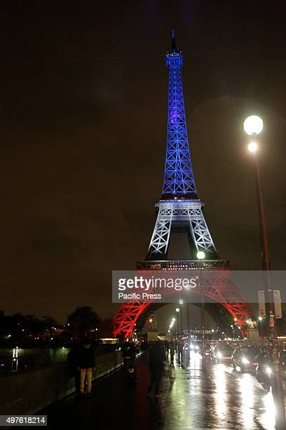 After the bomb hoax has been cleared and the area around the Eiffel Tower has been reopened again the Eiffel Tower is lit for the second night in the...