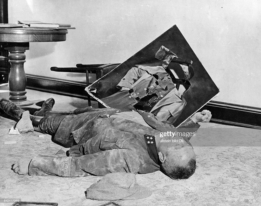 World War II : News Photo