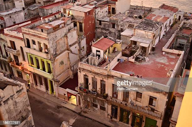 CONTENT] After the Cuban revolution of 1958 many buildings in Havana have fallen in ruin