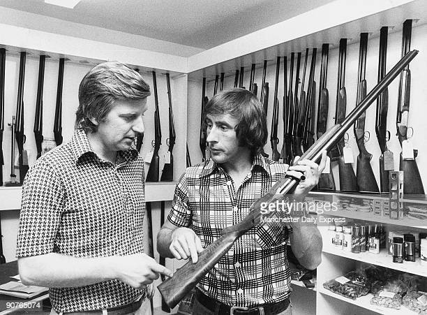 �After trouble with the stock of his gun Jackie Stewart discusses adjustments with expert Alan Jones� Three time Formula One racing Champion Sir John...