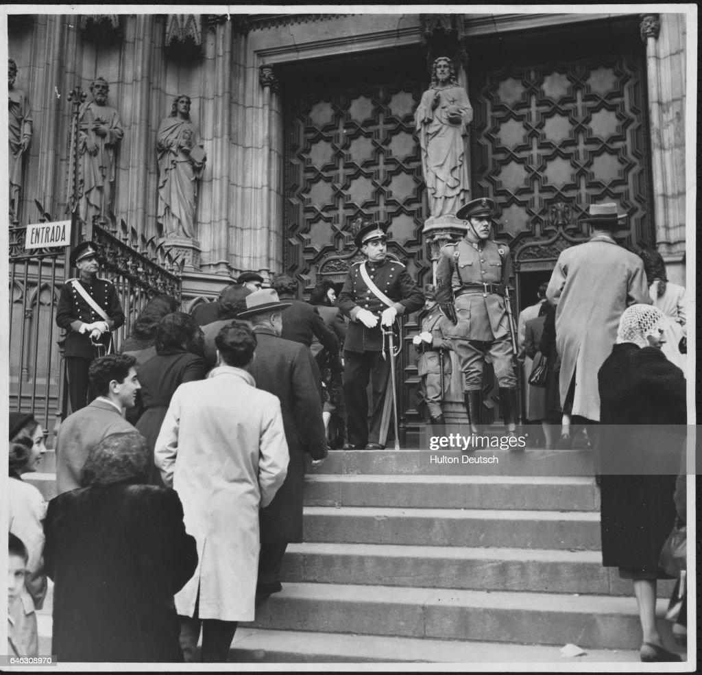 General Strike in Barcelona, 1951 : News Photo