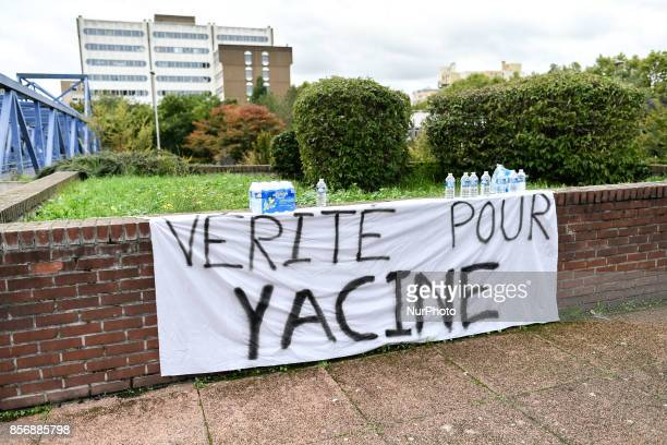 after two hours of sitting in front of the court of large instance the familly and friends of Yacine Ben Kalhal dead in unknow circumstances in...