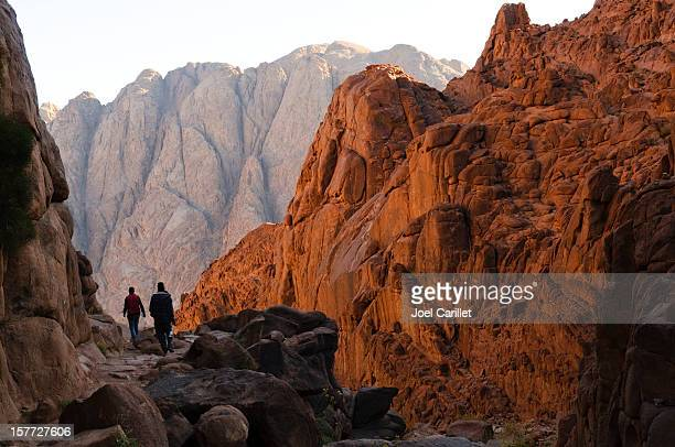 hiking the steps of penitence route on mount sinai - prayer book stock pictures, royalty-free photos & images