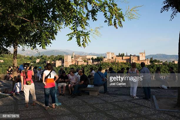 La tarde vista del Alhambra en Granada, España