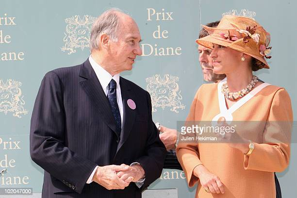 Aga Khan and his daughter Princess Zahra Aga Kahn pose during the 161th Prix de Diane horse racing on June 13 2010 in Chantilly France Sarafina gives...