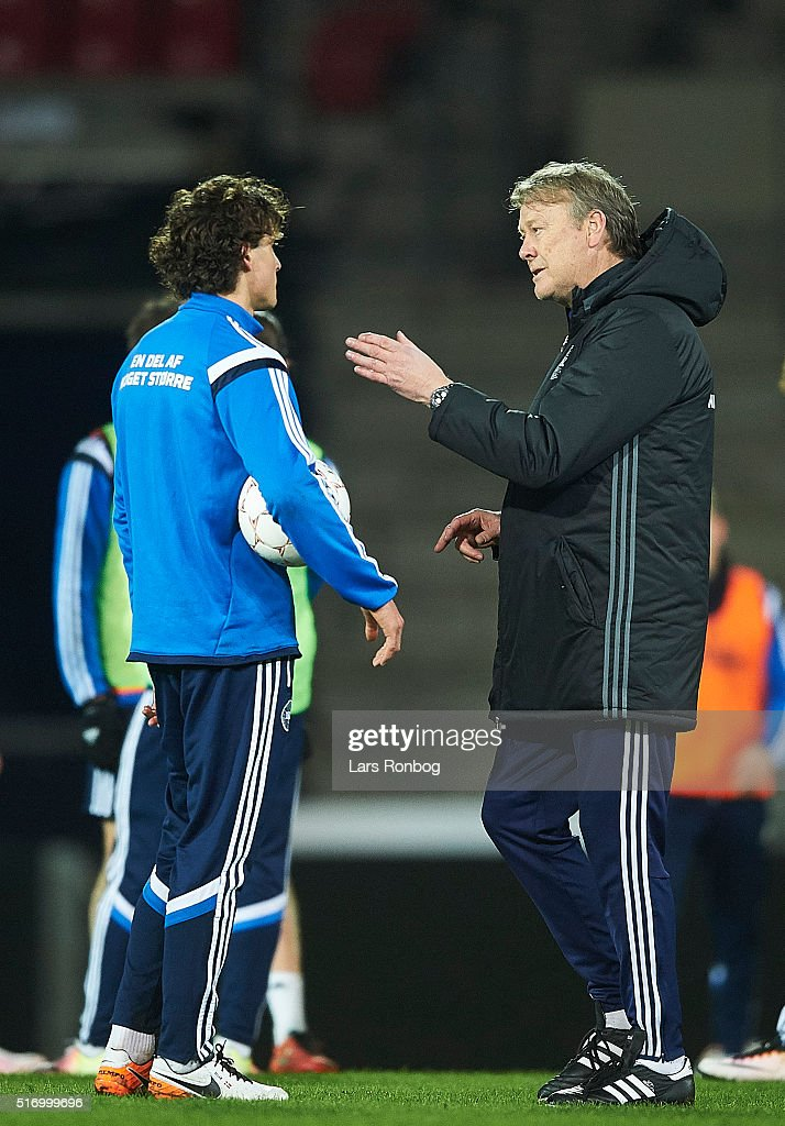 Age Hareide, head coach of Denmark instructs Thomas Delaney during the Denmark training session at MCH Arena on March 22, 2016 in Herning, Denmark.
