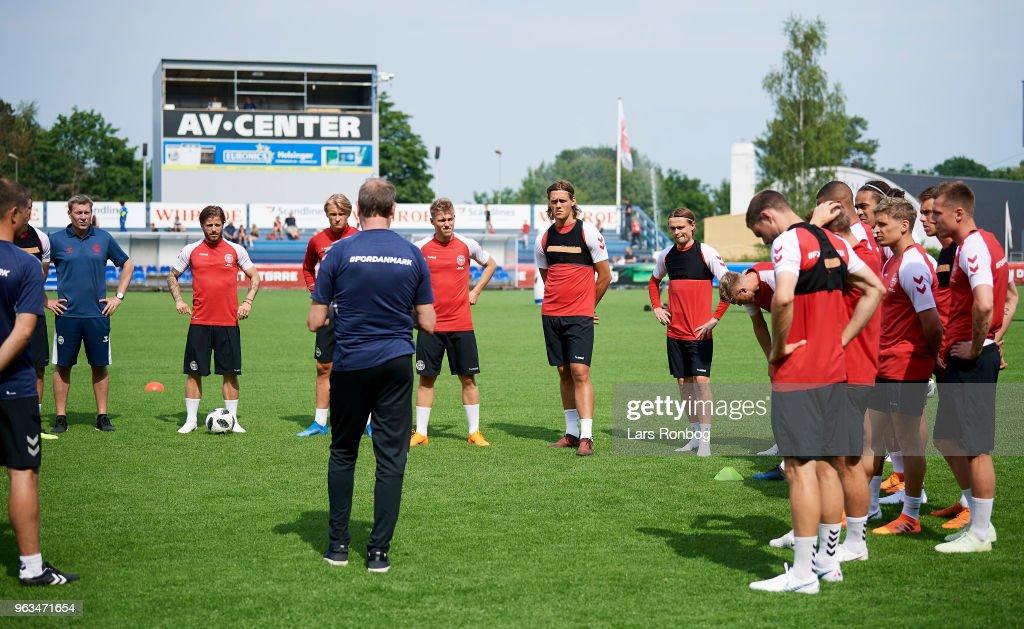 Age Hareide, head coach of Denmark speaks to his players during the Denmark training session Helsingor Stadion on May 28, 2018 in Helsingor, Denmark.