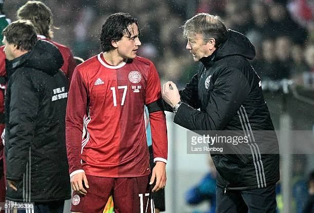 Age Hareide head coach of Denmark speaks to Thomas Delaney of Denmark during the international friendly match between Denmark and Iceland at MCH...
