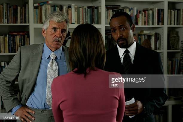 LAW ORDER 'Age of Innocence' Episode 4 Aired Pictured Dennis Farina as Detective Joe Fontana Arabella Field as Susan Alfani Jesse L Martin as...