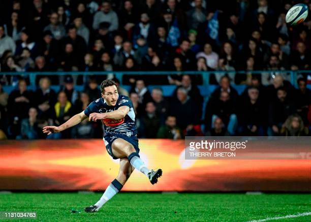 Agen's French flyhalf Leo Berdeu scores a penalty during the French Top 14 rugby union match between SU Agen and La Rochelle on March 16 at the...
