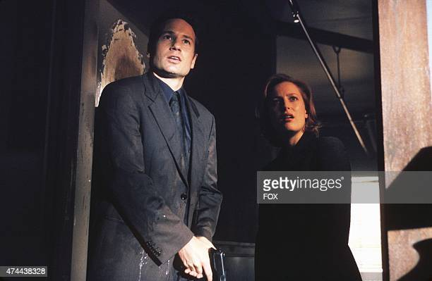 Agent Fox Mulder and Agent Dana Scully investigate circumstances around a man who seems to be just a little too lucky in The Goldberg Variation...