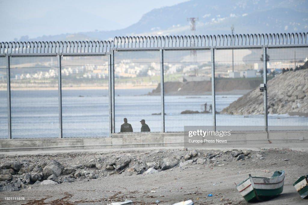 The Royal Moroccan Gendarmerie Is Deployed In Tarajal Beach (ceuta) : Nieuwsfoto's