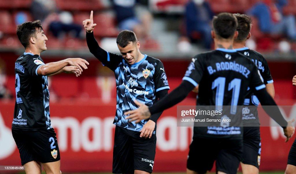 Sporting Gijon v UD Almeria - La Liga Smartbank : ニュース写真