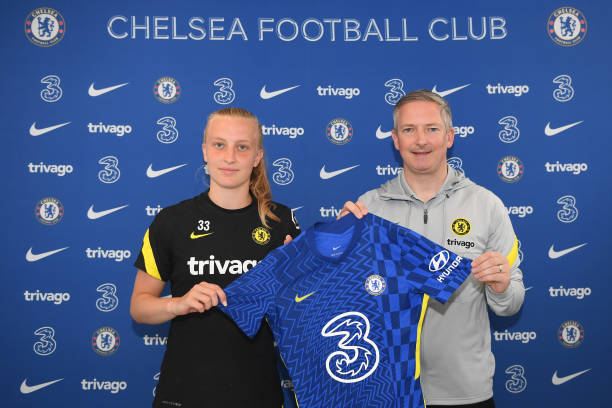 GBR: Aggie Beever-Jones Signs First Pro Contract With Chelsea Women