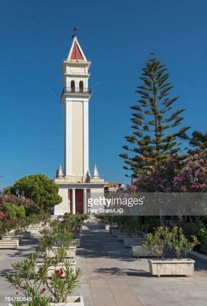 agios dionysios church, zakynthos - 尖り屋根 ストックフォトと画像