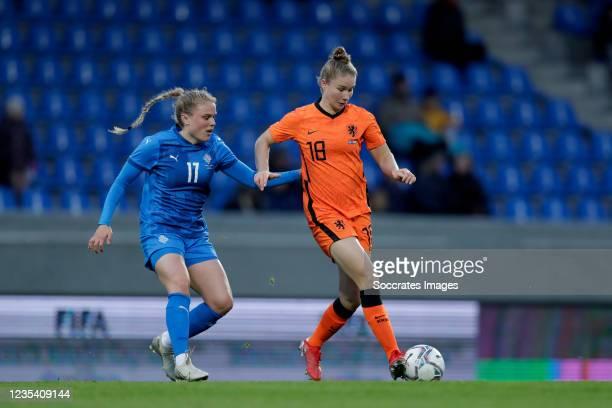 Agla Maria Albertsdottir of Iceland Women, Sisca Folkertsma of Holland Women during the World Cup Qualifier Women match between Iceland v Holland at...