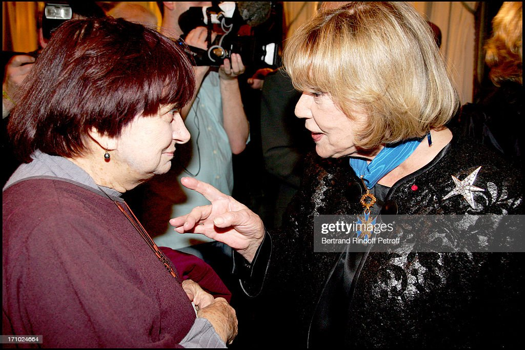 Jeanne Moreau Is Made Commander Of The National Order Of Merit By The French Minister Of Culture : News Photo