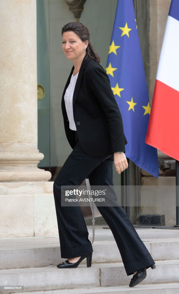 France's President Emmanuel Macron Holds First Cabinet Meeting : News Photo