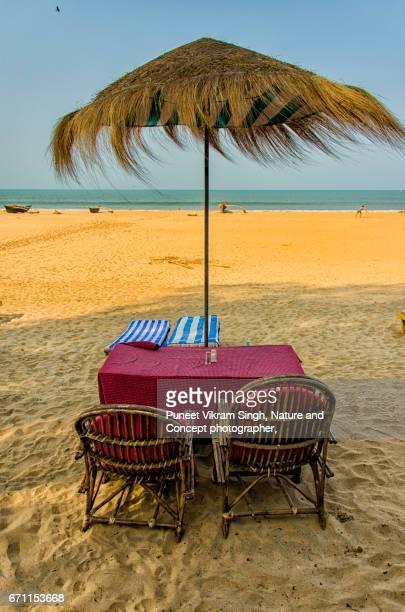 agonda beach - 掘建て小屋 ストックフォトと画像