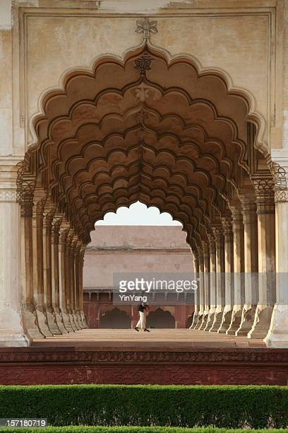 agra fort archway - agra fort stock pictures, royalty-free photos & images