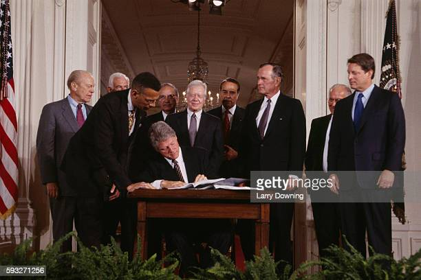 agreement in Washington Left to right Bill Clinton Jimmy Carter Gerald Ford George Bush and Al Gore