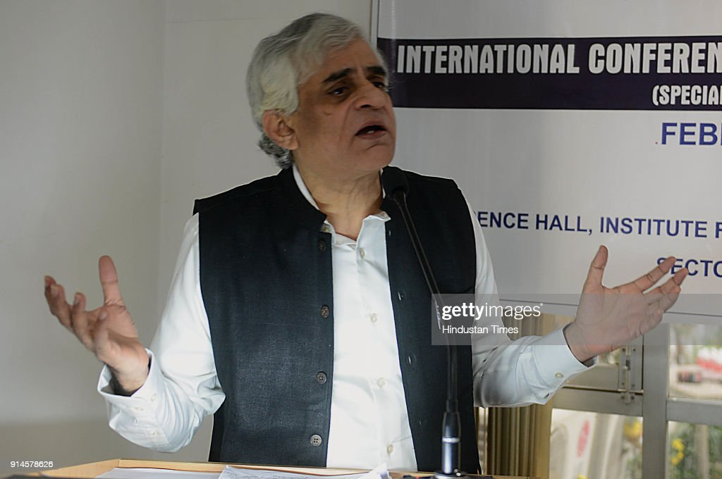 Agriculture expert P Sainath addresses during International conference on 'Governance for the Margins' at Institute for Development and Commun