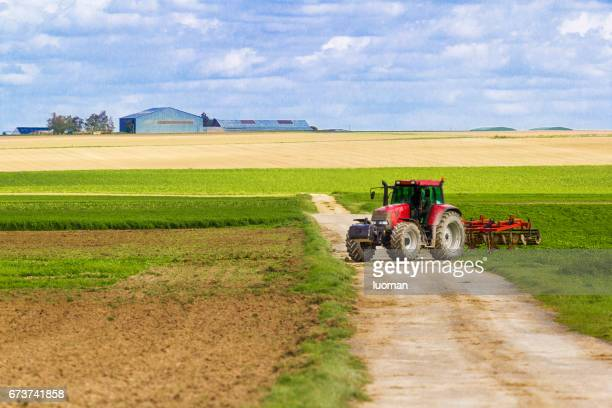 agriculture - trabalhando stock photos and pictures