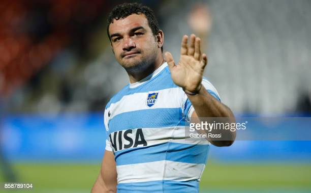 Agustin Creevy of Argentina greets the fans after The Rugby Championship match between Argentina and Australia at Malvinas Argentinas Stadium on...
