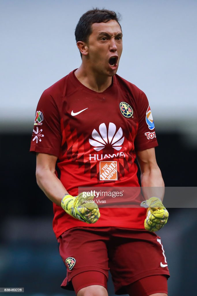 Agustin Marchesin of America celebrates the first goal of his team scored by his teammate William Da Silva (Not in Frame) during the 6th round match between America and Tigres UANL as part of the Torneo Apertura 2017 Liga MX at Azteca Stadium on August 23, 2017 in Mexico City, Mexico.
