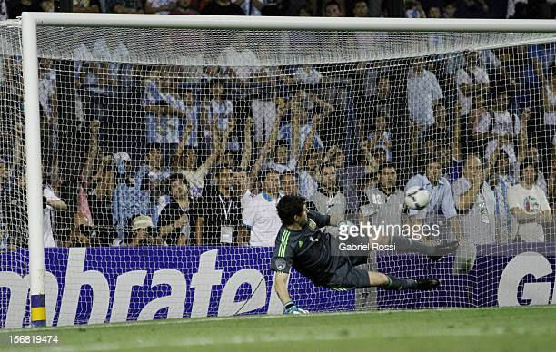 Agustin Orion goalkeeper of Argentina in action during the second leg of the Superclasico de Las AmeŽricas between Argentina and Brazil at Bombonera...