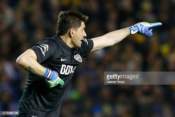 Agustin Orion of Boca Juniors gestures during a match between Boca Juniors and River Plate as part of 11th round of Torneo Primera Division 2015 at...