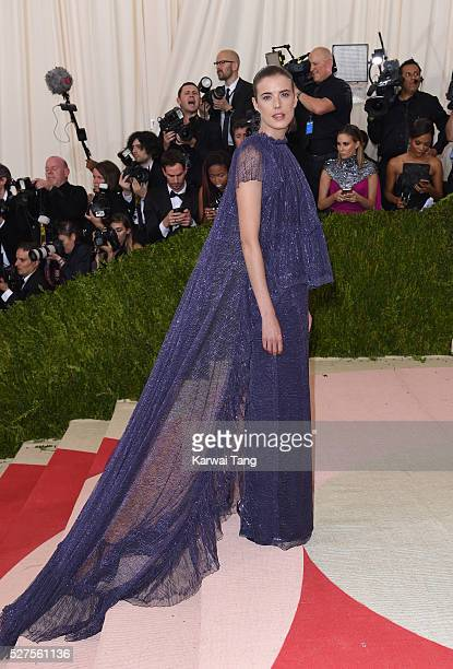 Agyness Deyn arrives for the Manus x Machina Fashion In An Age Of Technology Costume Institute Gala at Metropolitan Museum of Art on May 2 2016 in...