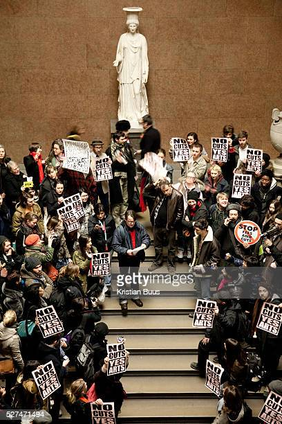 Ahead of today's big student march, students from mainly Humanities and Arts gathered at British Museum to re-claim a public space and held a short...