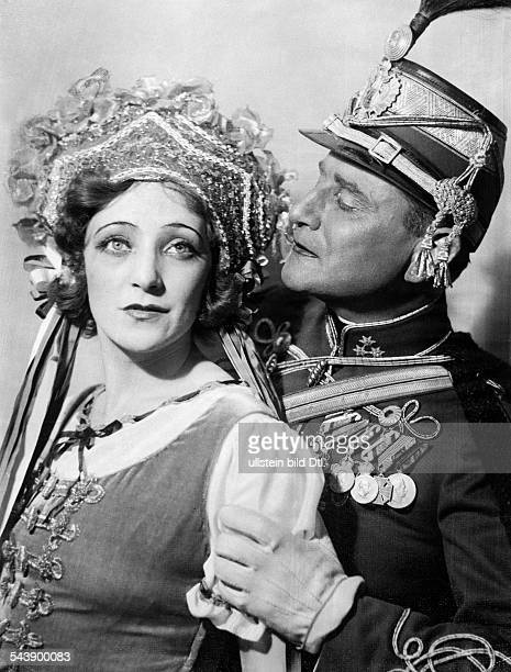 Ahlers Anny Actress Singer Germany*and actor Fritz Felix in 'Viktoria und ihr Husar ' Metropol Theater Berlin Photographer Curt Ullmann Published by...