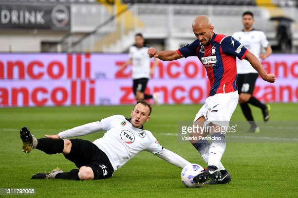 Ahmad Benali of F.C. Crotone and Ardian Ismajli of Spezia battle for the ball during the Serie A match between Spezia Calcio and FC Crotone at Stadio...