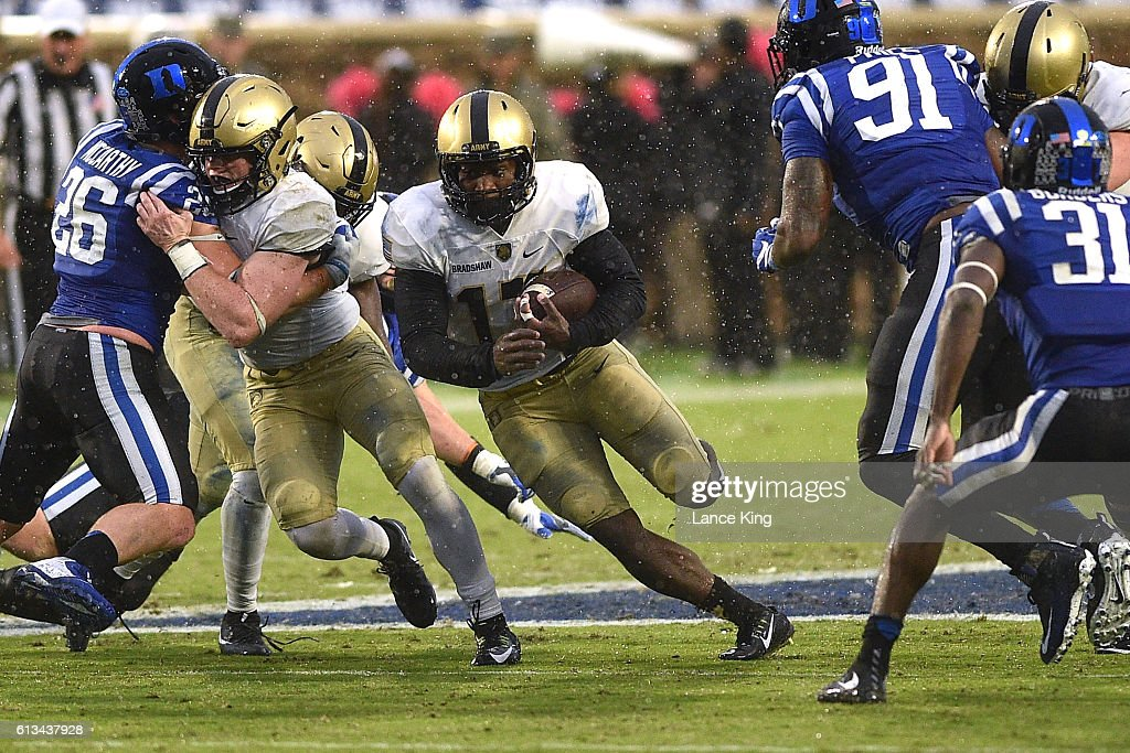 Ahmad Bradshaw #17 of the Army Black Knights runs with the ball against the Duke Blue Devils at Wallace Wade Stadium on October 8, 2016 in Durham, North Carolina.