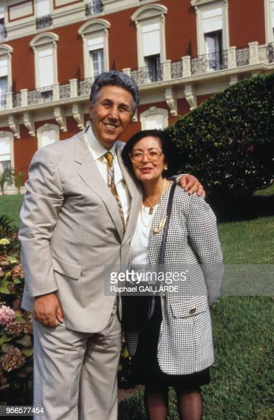 Ahmed Ben Bella et son épouse Zohra Sellami le 5 octobre 1997 à Biarritz en France