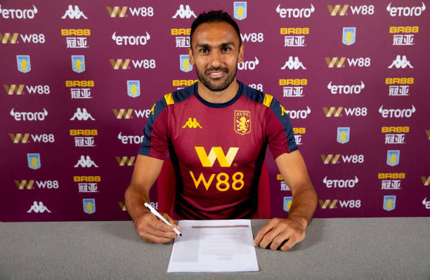 GBR: Ahmed Elmohamady Signs a New Contract at Aston Villa