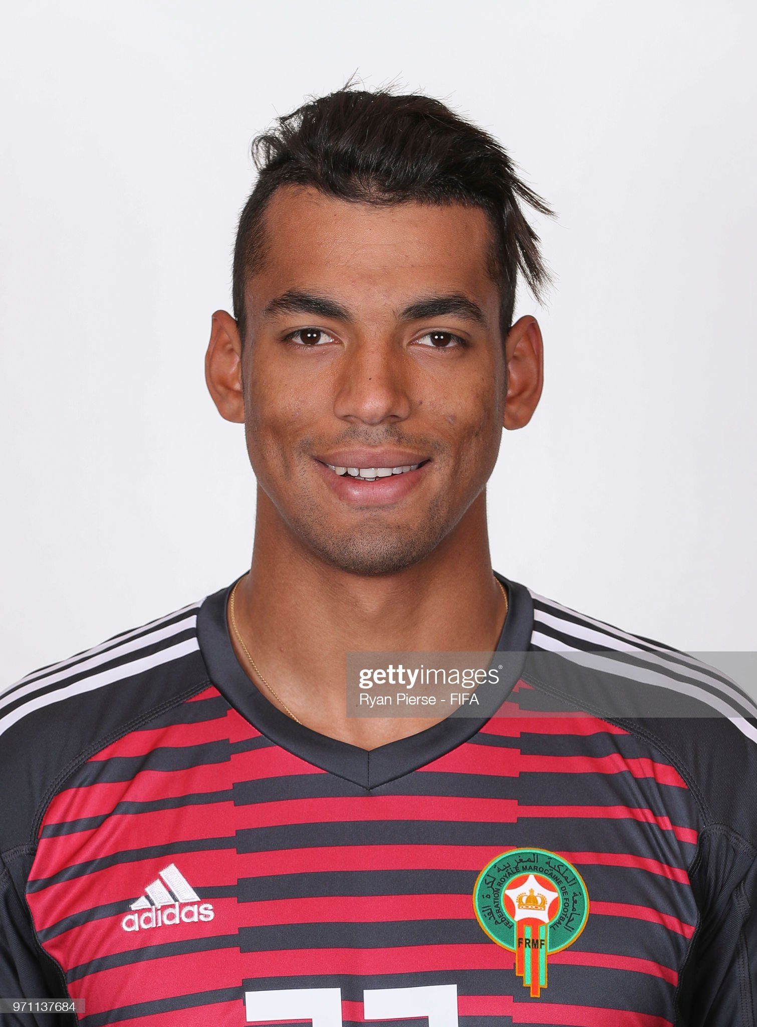 Norteafricanos Ahmed-reda-tagnaouti-of-morocco-poses-during-the-official-fifa-world-picture-id971137684?s=2048x2048