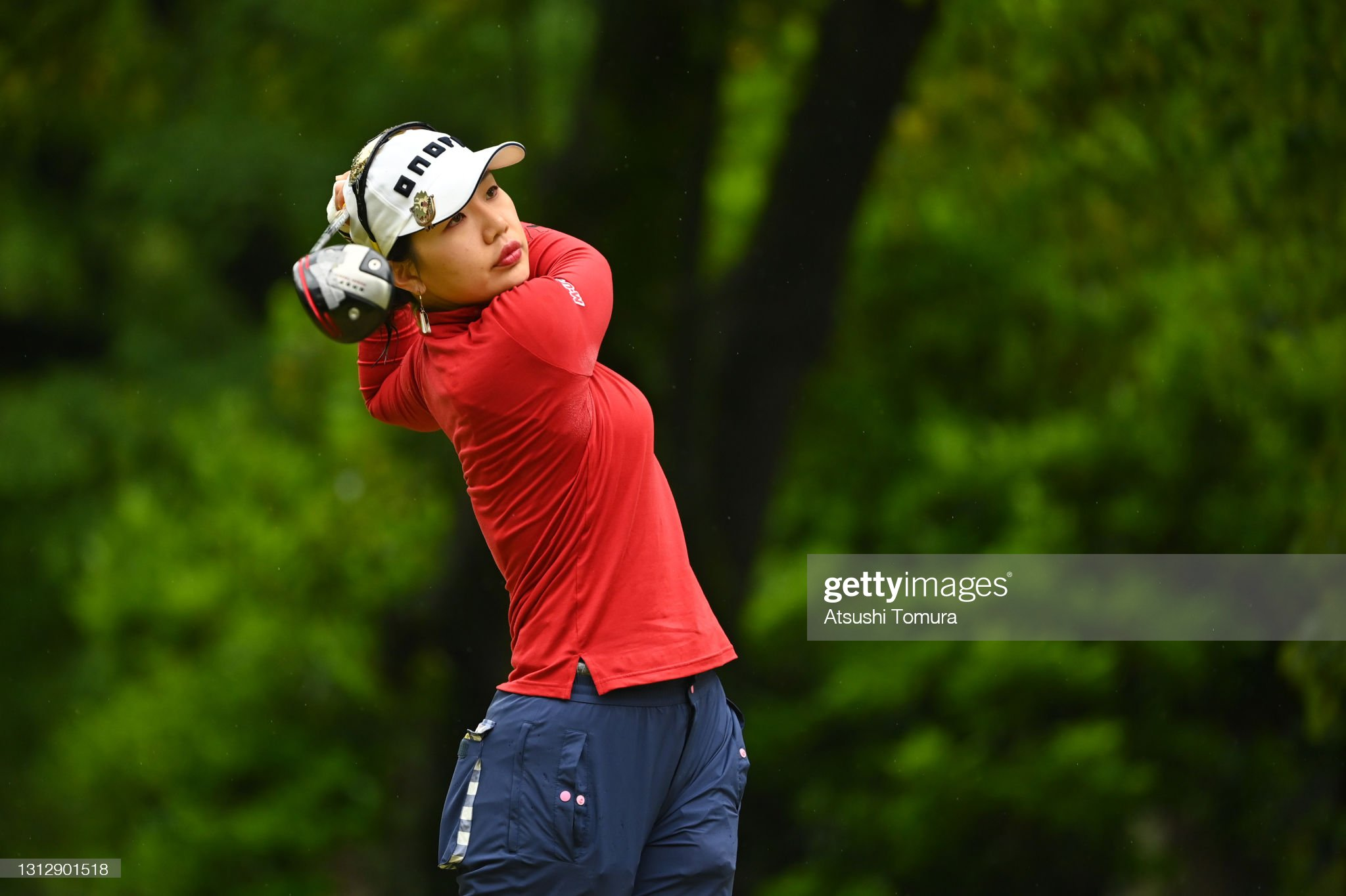 https://media.gettyimages.com/photos/ahreum-hwang-of-south-korea-hits-her-tee-shot-on-the-7th-hole-during-picture-id1312901518?s=2048x2048