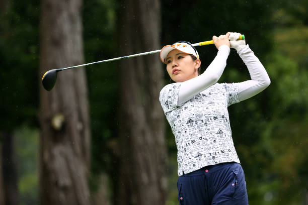 https://media.gettyimages.com/photos/ahreum-hwang-of-south-korea-hits-her-tee-shot-on-the-7th-hole-during-picture-id1324307460?k=6&m=1324307460&s=612x612&w=0&h=f9vnwYCgCGTQp6A0tbjgcCCyy24AP2cNkxg8W3jRBDU=