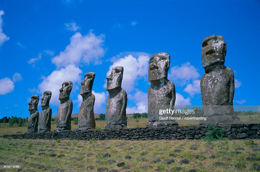 Ahu Akiui, Easter Island, Chile, Pacific : Foto de stock