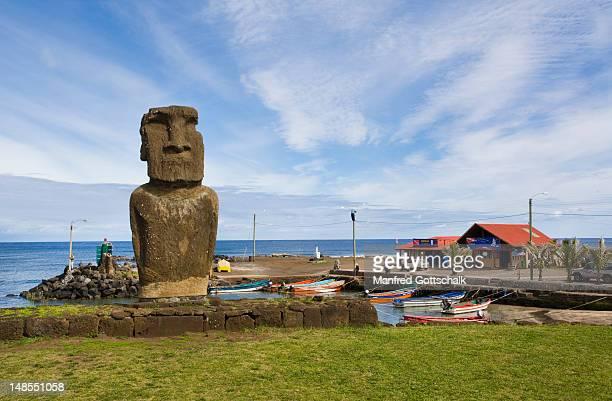 Ahu Tautira, moai statue at Caleta Hanga Roa