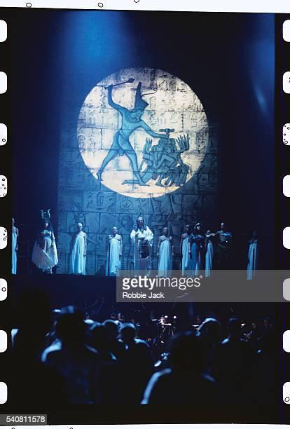 aida on stage at the royal albert hall - robbie jack stockfoto's en -beelden