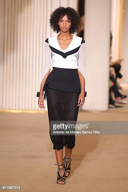 Aiden Curtis walks the runway during the Roland Mouret show as part of the Paris Fashion Week Womenswear Spring/Summer 2017 on October 2 2016 in...