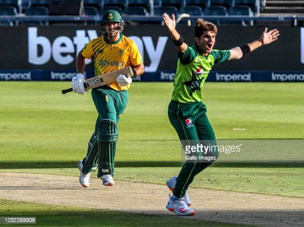 Aiden Markram of South Africa and Shaheen Afridi of Pakistan during the 2nd KFC T20 International match between South Africa and Pakistan at Imperial...