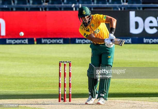 Aiden Markram of South Africa plays a shot during the 2nd KFC T20 International match between South Africa and Pakistan at Imperial Wanderers Stadium...