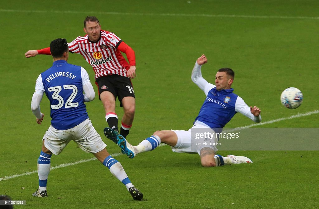 Aiden McGeady of Sunderland (C) has a shot during the Sky Bet Championship match between Sunderland AFC and Sheffield Wednesday FC at Stadium of Light on April 2, 2018 in Sunderland, England.