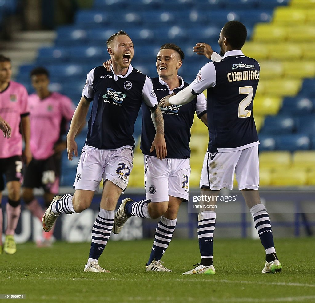 Millwall v Northampton Town - Johnstone's Paint Trophy Second Round : News Photo